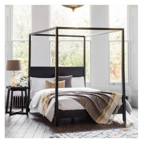 brinda boutique 4 poster queen bed
