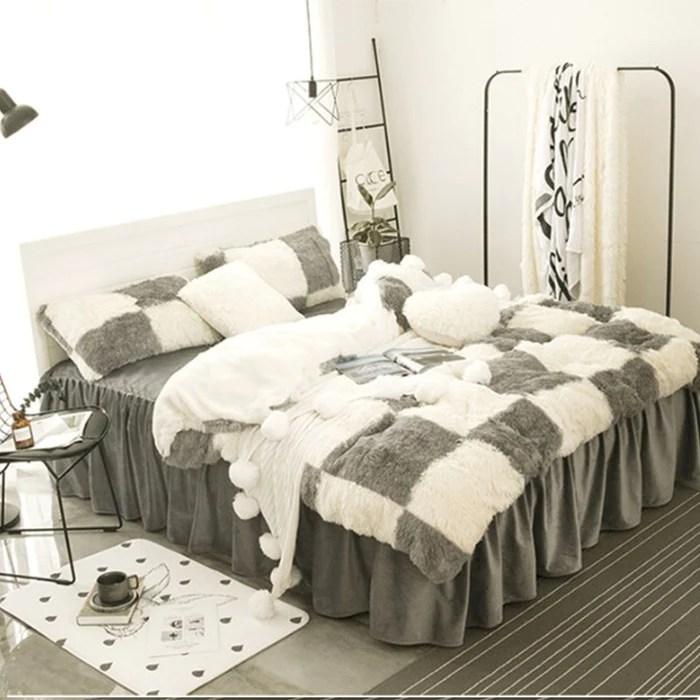 jupe de lit moelleux a carreaux blanc et gris 4 piece literie moelleuse housses