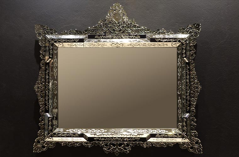 Luxury mirrors from Murano