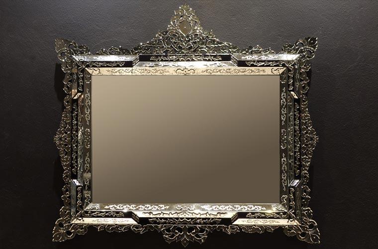 Luxury mirrors from Murano