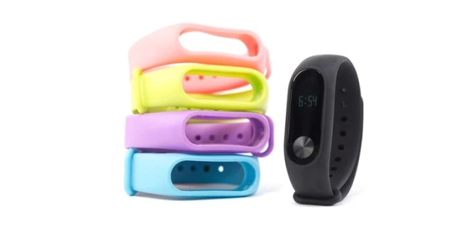dropshipping home business idea: fitness trackers