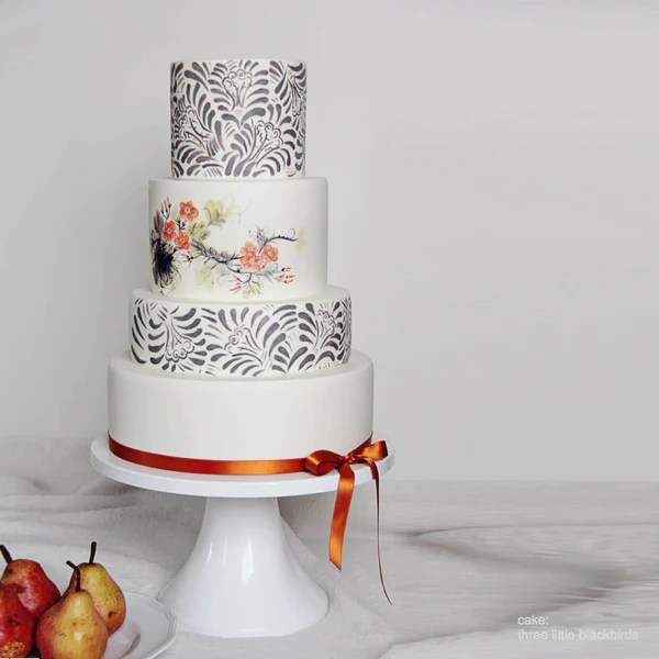 14 inch   16 inch White Wedding Cake Stands   Sarah s Stands