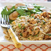 5 Carb Sweet Spicy Chicken Lo Mein with Skinny Dip Noodles