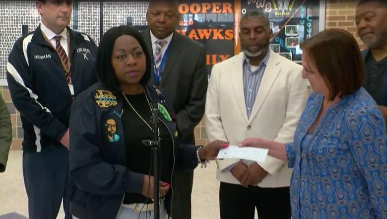 Philando Castile's Mom Donates $8,000 to Settle Lunch Debt Preventing HS Seniors from Graduating