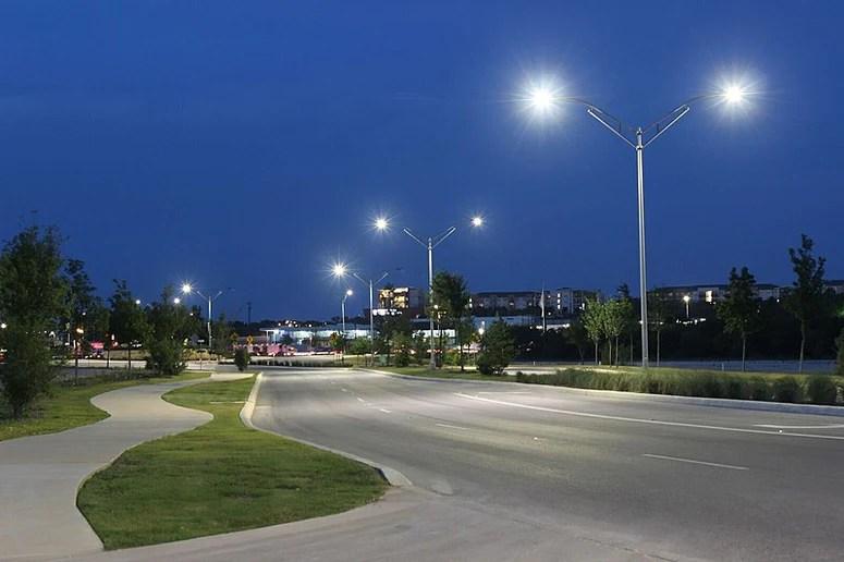 led lighting distribution for flood and