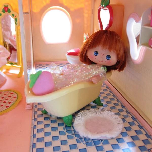 Bathtub For Strawberry Shortcake Berry Happy Home Dollhouse Brown Eyed Rose