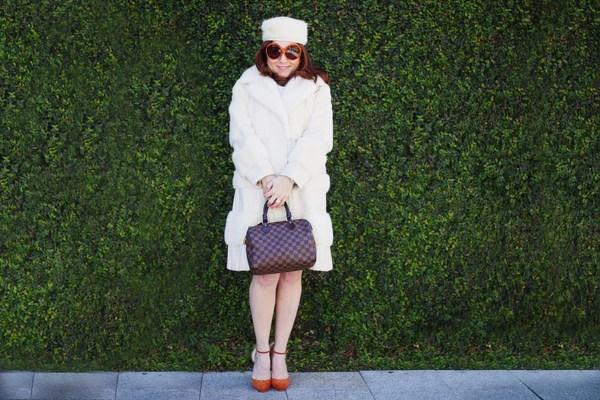 vintage-contessa-winter-white-louis-vuitton-handbag