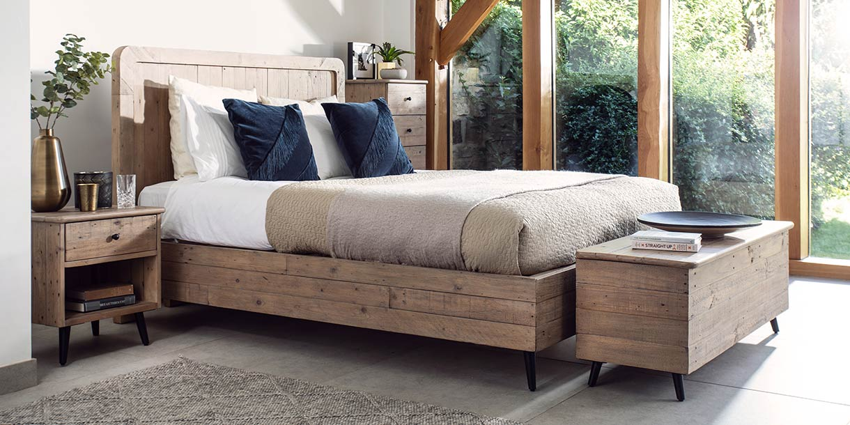 chelwood reclaimed wood bed