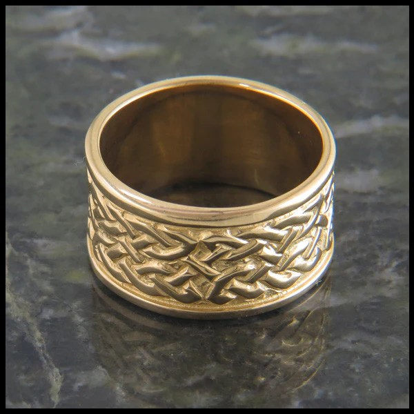 St Andrews Celtic Knot Ring In Gold Walker Metalsmiths