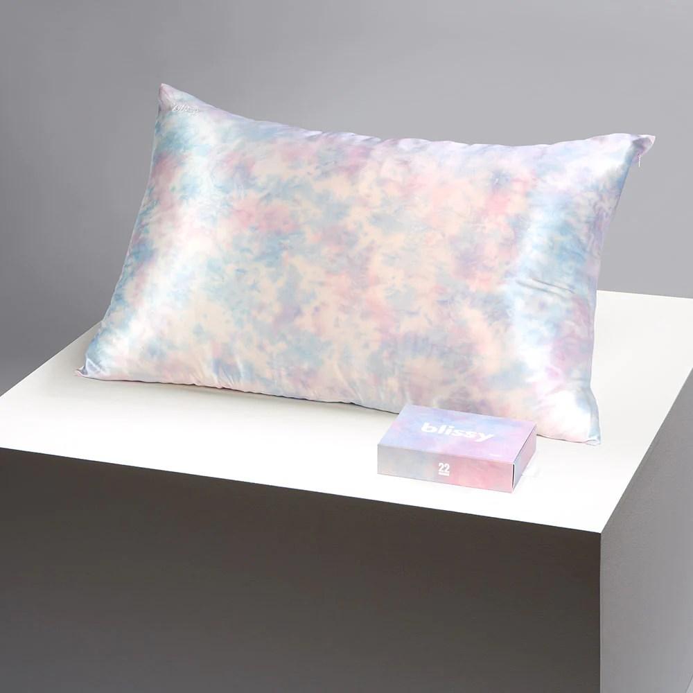 blissy 100 mulberry 22 momme silk pillowcase tie dye standard