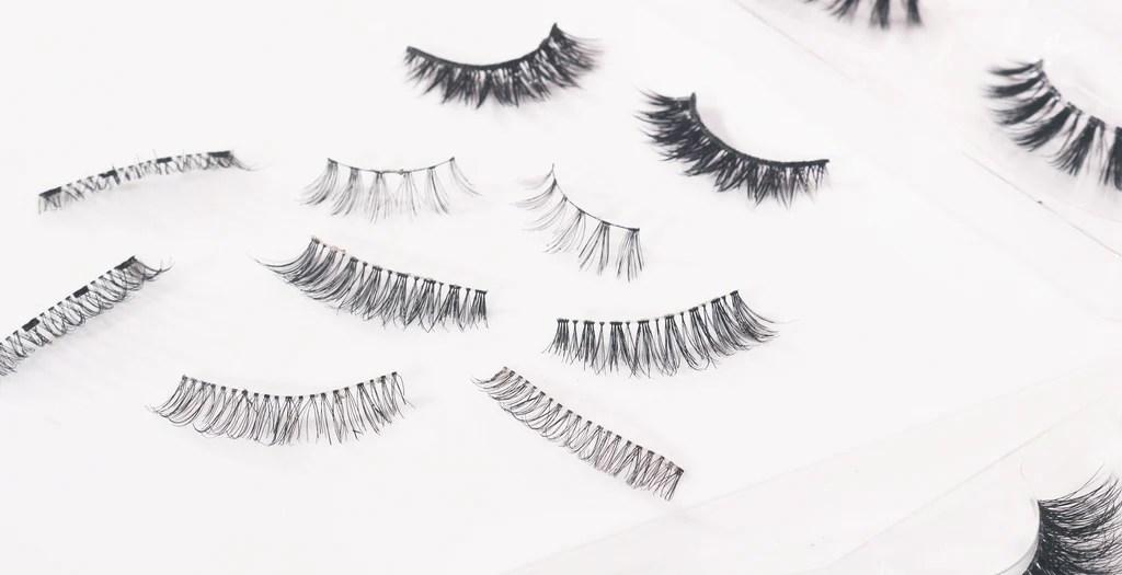 How To Put On Eyelashes