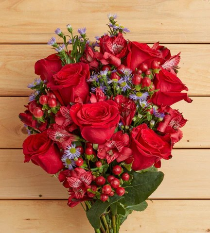 Love Flowers   Romantic Flowers   Florists com Rustic Red Rose Happiness