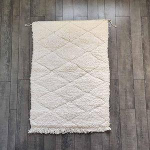 https www mazir fr products petit tapis berbere beni ouarain a losanges