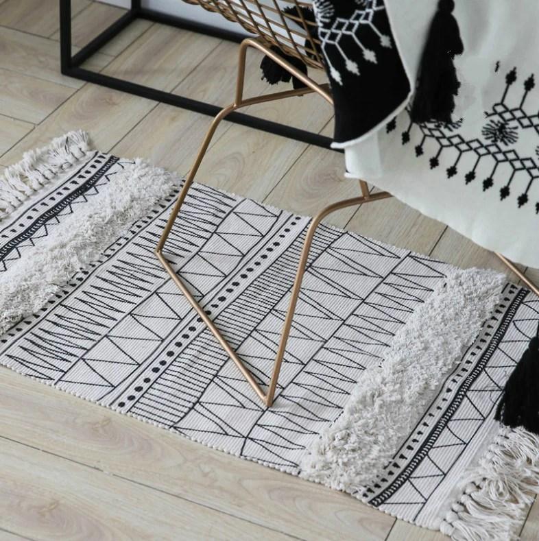 tapis esprit berbere ethnique noir et blanc rayya