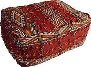 Jumbo - Pouf pour sol rectangulaire fait main en véritable moyen Atlas Kilim berbère, tapis de laine tissé main au Maroc avec Paillettes Argentées et poms pom (rembourré) - Rouge - L70 P40 H 30 cm