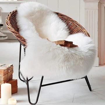 QINGLOU Peau de Mouton synthétique,Cozy Sensation comme véritable Laine Tapis en Fourrure synthétique, Fluffy Soft Longhair Décoratif Coussin de Chaise Canapé Natte (Blanc, 75 x 120 cm)