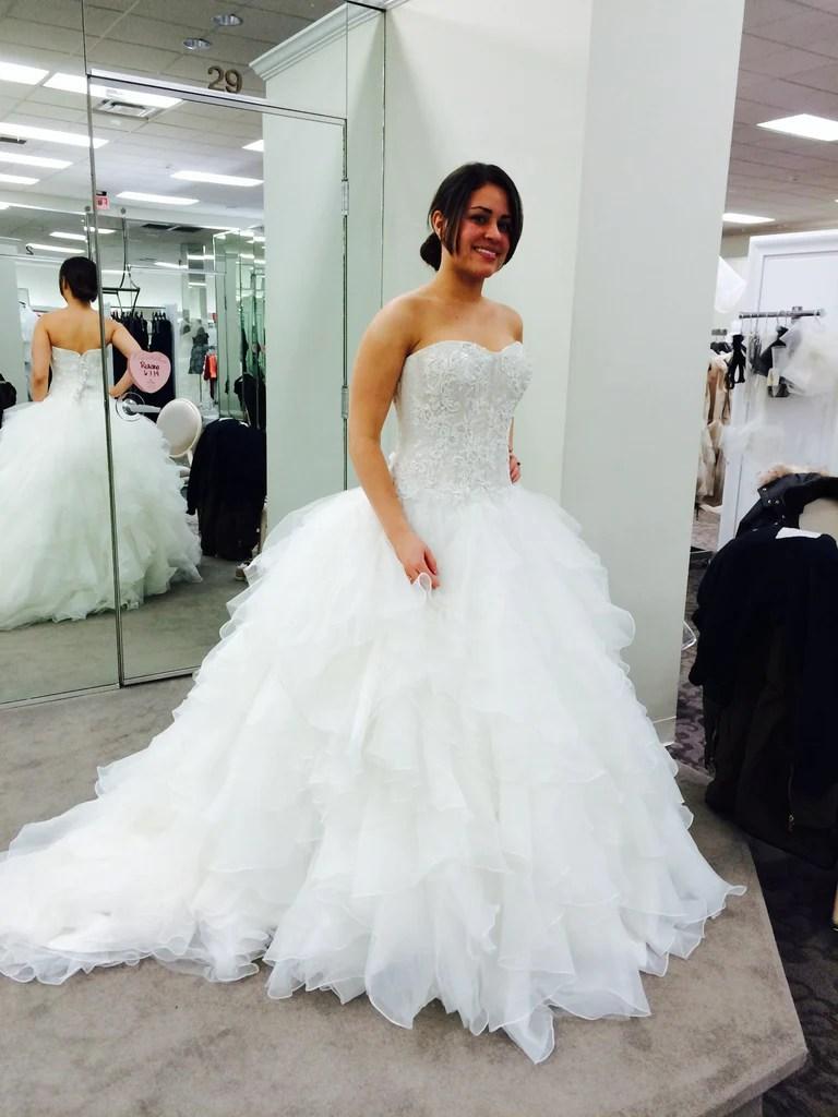 Oleg Cassini Strapless Ruffled size 2 used wedding dress