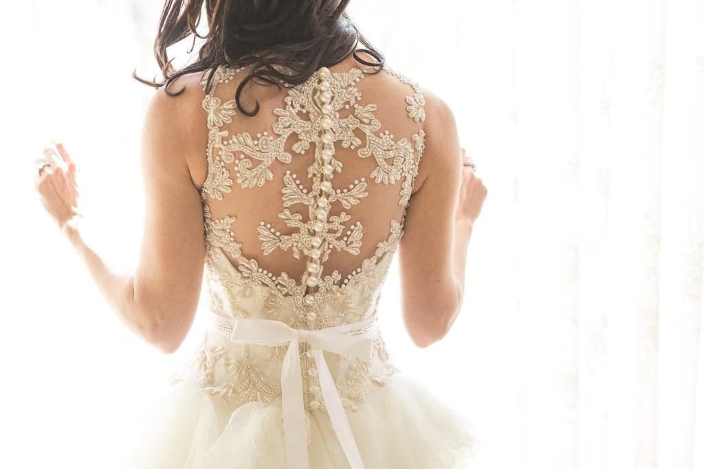 Veluz Reyes 'Vivian' Size 0 Sample Wedding Dress