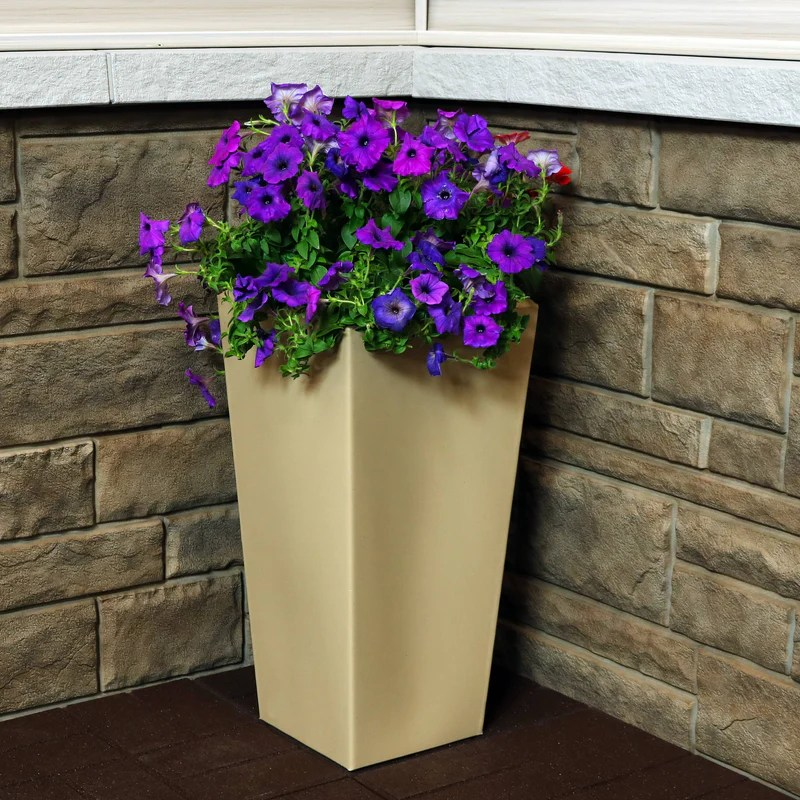 sunnydaze meghan outdoor indoor planter pot heavy duty double walled polyresin with uv resistant desert finish 11 inch