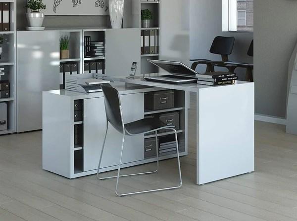 La scrivania angolare è pensata per sfruttare al meglio lo spazio a disposizione senza risultare ingombrante inoltre offre un ampio piano di appoggio, essenziale durante lo studio o lavoro. Scrivanie Per Casa E Ufficio Decorspace It