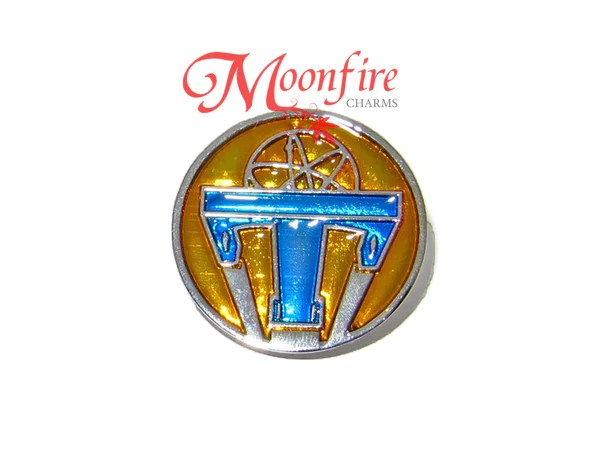 TOMORROWLAND Movie Atomic Symbol Replica Pin Badge ...