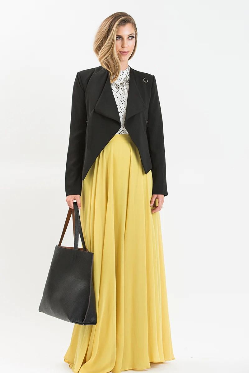 Maxi Skirt Outfit Idea