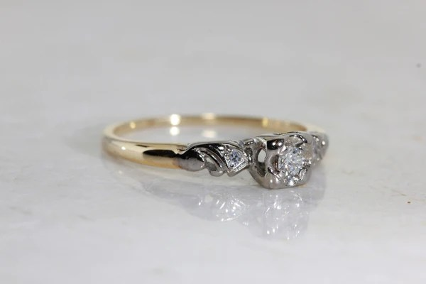 ANTIQUE 1940s VINTAGE ENGAGEMENT RING 14k WHITE Amp YELLOW