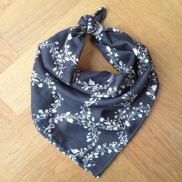 TUTORIAL How To Make A Neckerchief Scarf The Drapers