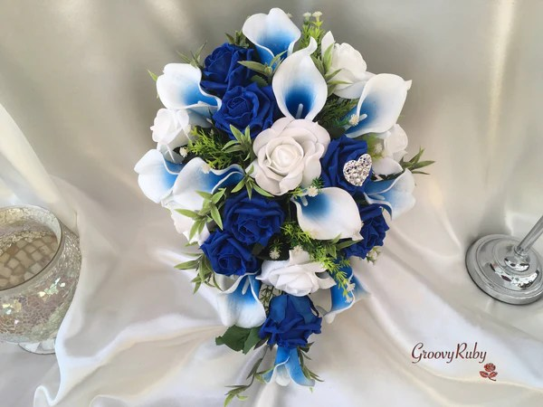 White Amp Blue Centred Calla Lilies With Roses Amp Heart