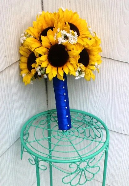 17 Piece Sunflower Wedding Bouquet Set Wrapped In Royal