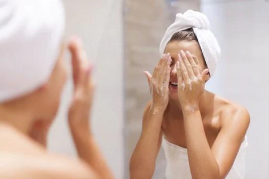 6 Ways To Detoxify This Summer