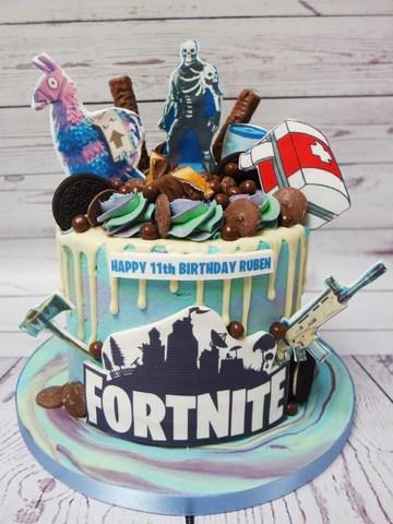 Crafty Cakes Exeter Uk Birthday Drip Cakes