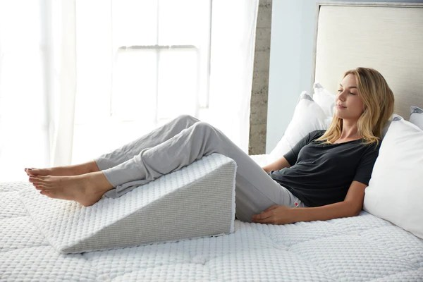 how to use a bed wedge pillow