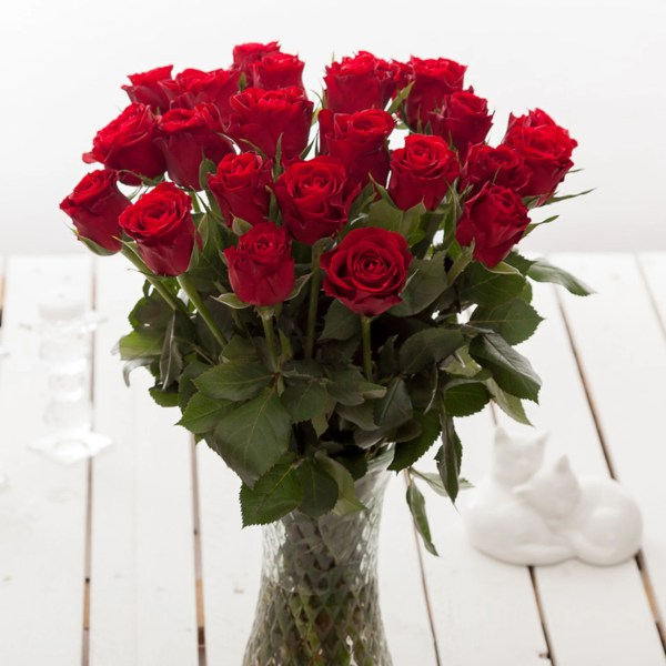 Cheap Red Roses Flower Bouquets   Next Day Delivery     Valueflora Red Roses