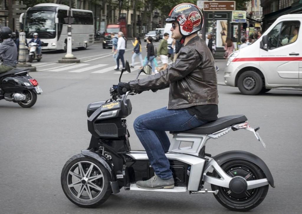 scooter electrique 3 roues doohan itank 125 cm3 essai