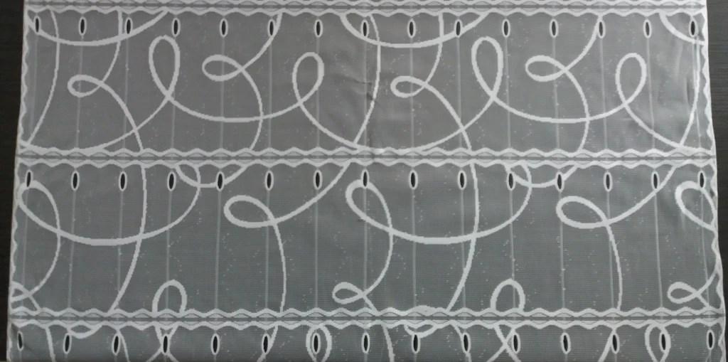 rideau voilage blanc 90 cm de largeur motif courbe modulable en hauteur
