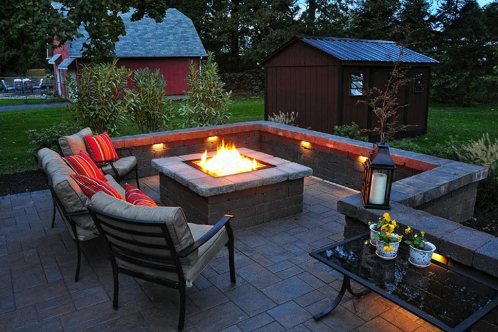 How To Build A Square Fire Pit With Pavers? - Barbeqa on Pavers Patio With Fire Pit id=22620
