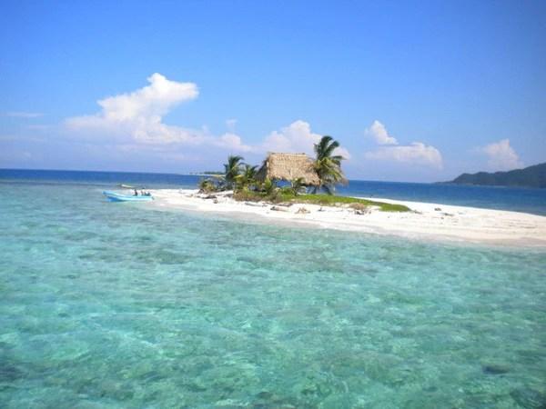 Cayos Cochinos Form Roatan 180 WEST BAY TOURS