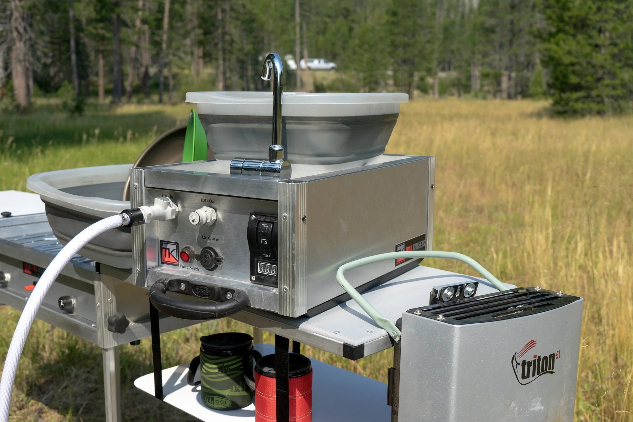 portable camping sink with pump water