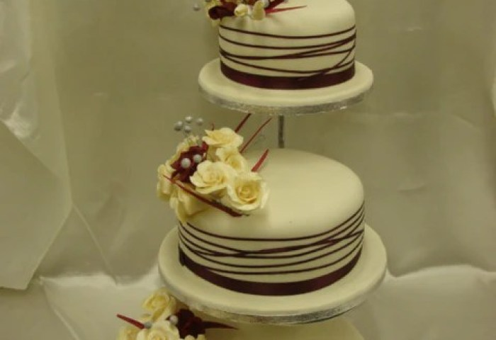 3 Tier Ivory Burgundy Rose Wedding Cake Celticcakescom