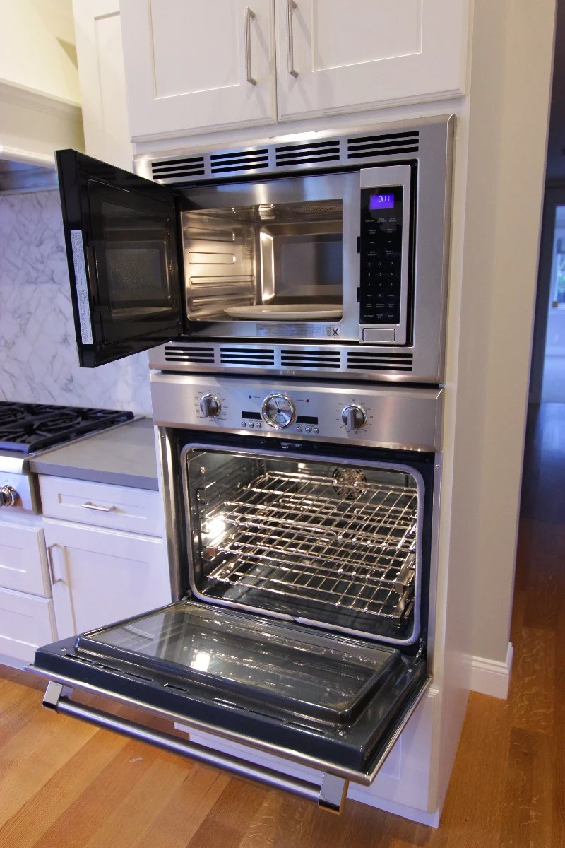 https www refindkitchens com products thermador30convectionmicrowaveandovencombo
