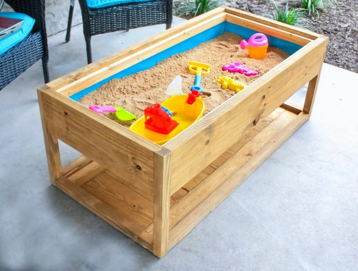DIY Modern Outdoor Coffee Table w  Sandbox 1  1 of 2 2 1024x1024 - DIY Outdoor Coffee Table