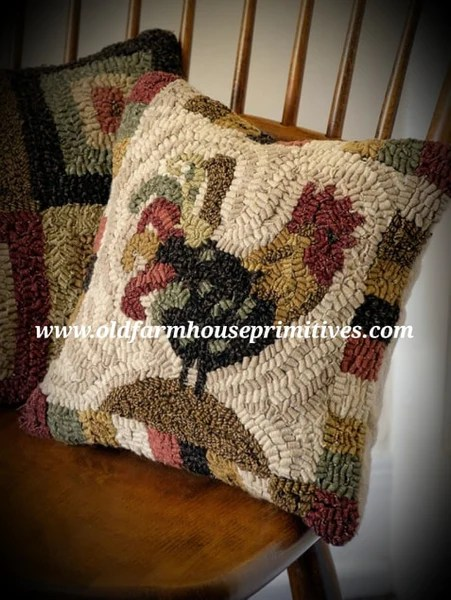 hsd5 primitive red rooster hooked wool pillow