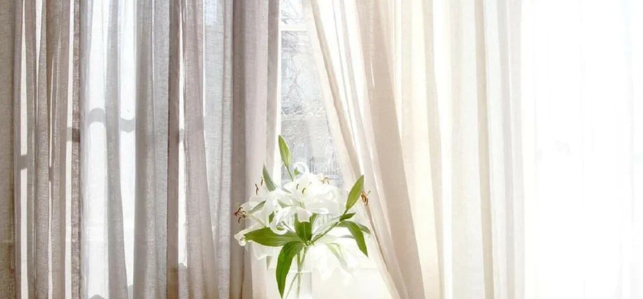 how to choose curtains or drapes for