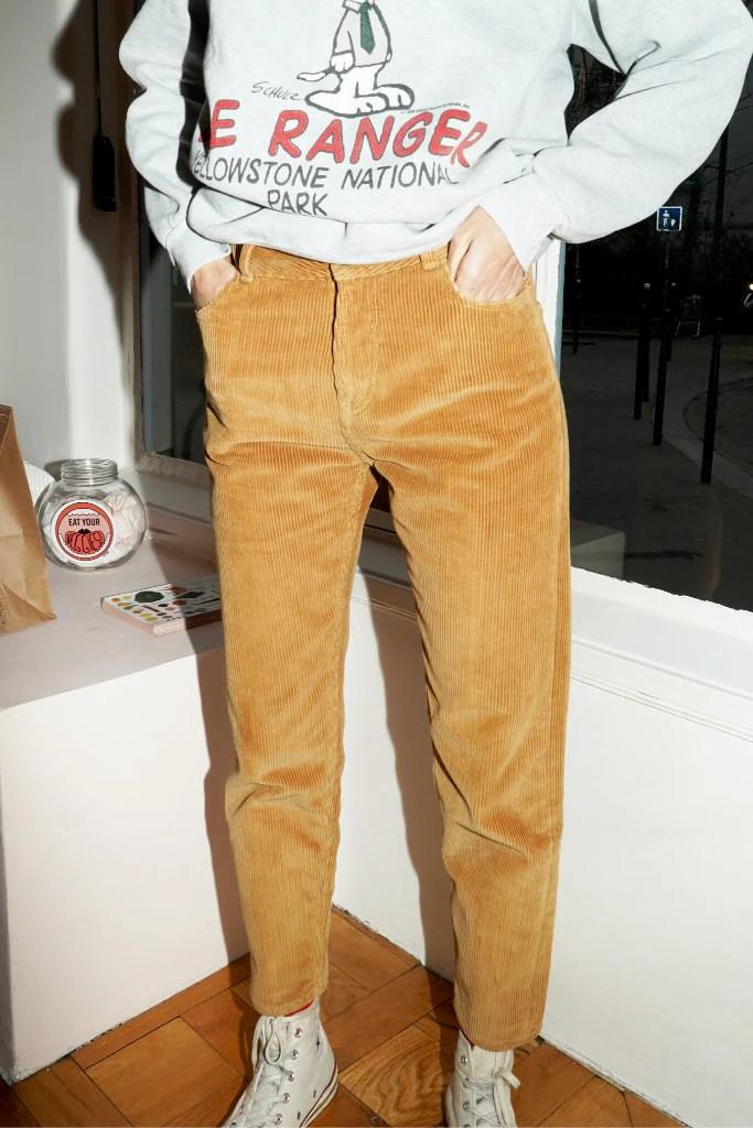 le pantalon en velours côtelé Dustin en coton 100% biologique en coloris camel caramel Werther's Original de chez Patine Paris