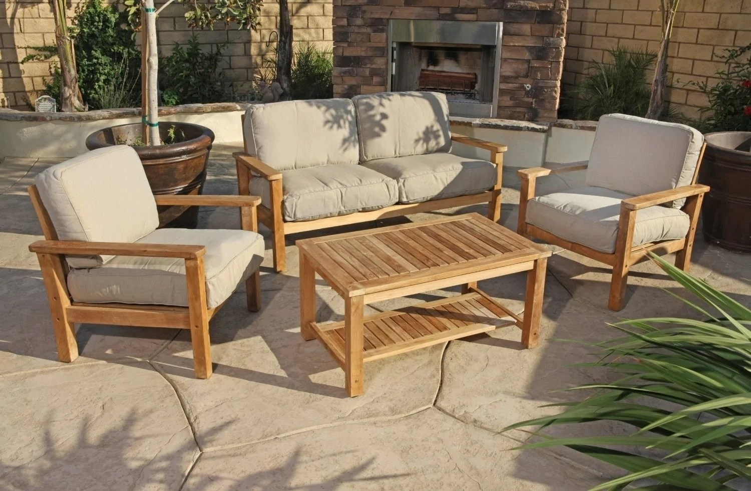 a guide to patio furniture materials