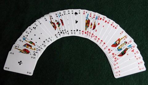 (滾石使用32張牌,從A到7)