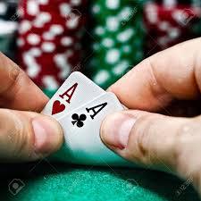 (在膽量中,一對A是玩家可以得到的最高手牌。)