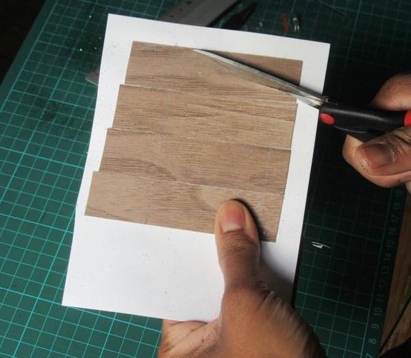 Découpe du bois de placage