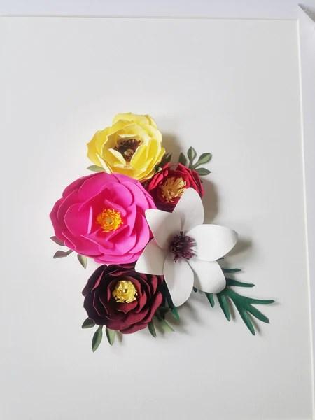 Do It Youself Composition de fleurs en papier